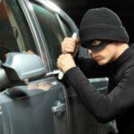 Pencuri Mobil